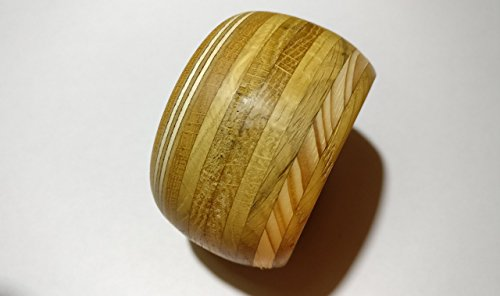 bracciale-in-legno-composta-da-legni-misti-con-finitura-a-olio-naturale-wooden-bracelet-composed-of-