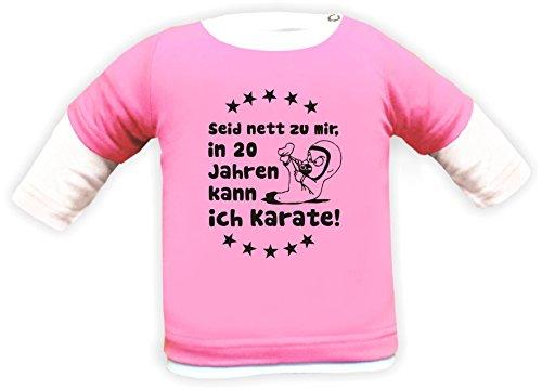 KLEINER FRATZ Baby Shirt Multicolor Langarm (Farbe Rosa-Weiss) (Größe 98-104) Seid Nett zu Mir Wenn Ich groß Bin Kann Ich Karate/Cook