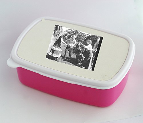 Lunch box with family feud