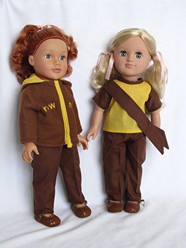 Dollies Boutique Brownie Uniforme con lienzo amarillo entrenadores para adaptarse a Designafriend, Sindy, Nuestra Generación, AMG, Carly, Cayla y otras muñecas de 45,7 cm