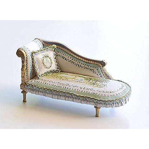 Mueble miniatura Chaise Longe tapizada en seda y pintada a mano. Escala 1.12