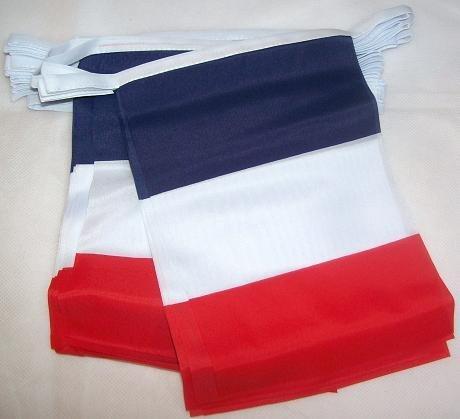 Prix Euro 2016 – Grande banderole » France » de 4 mètres à 15 drapeaux tissu de 14 x 20 cm chacun avec attache à chaque extrémité