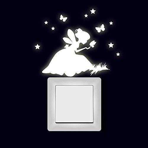ilka parey wandtattoo-welt Lichtschaltertattoo Wandtattoo Aufkleber Elfe Fee auf Wiese mit Sterne und Schmetterling fluoreszierend M2003 - Aufkleber Welt