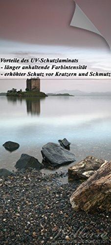 Wallario Selbstklebende Türtapete mit Schutzlaminat, Motiv: Schloss in Schottland - Größe: 93 x 205 cm in Premium-Qualität: Abwischbar, brillante Farben, rückstandsfrei zu entfernen