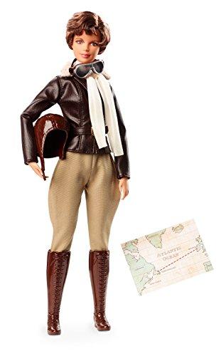 Barbie Muñeca Amelia Earhart de la Colección Grandes Mu, (Mattel FJH64)