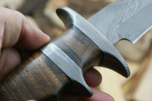 custom-damast-bowie-messer-jagdmesser-mit-lederscheide-4