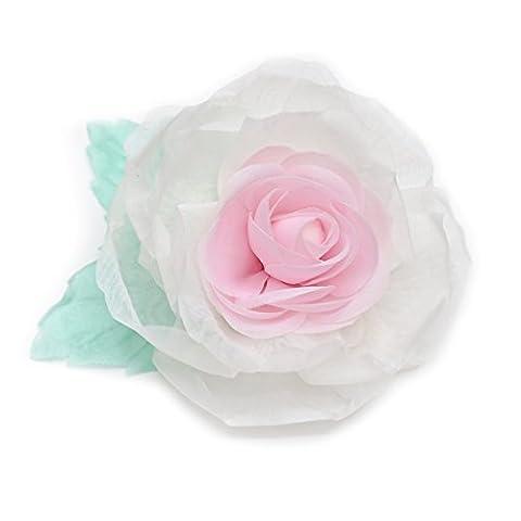 Broche fleur en tissu organza, couleur ivoire, rose clair et vert clair.