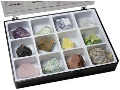 mineraux-bruts-boite-de-12-pierres-pierres-brutes-de-lithotherapie-et-de-collection