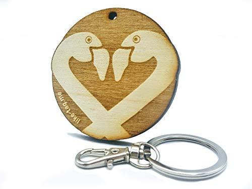 LIKE-TAG® Flamingo – Schlüsselanhänger aus Holz mit Gravur Geschenk für Damen und Herren Geburtstag Vatertag Muttertag Anhänger für Tasche und ()
