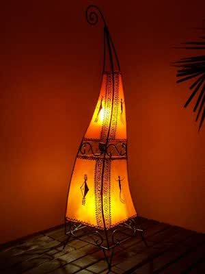 orientalische stehlampe marrakesch orange 100cm lederlampe hennalampe lampe marokkanische. Black Bedroom Furniture Sets. Home Design Ideas