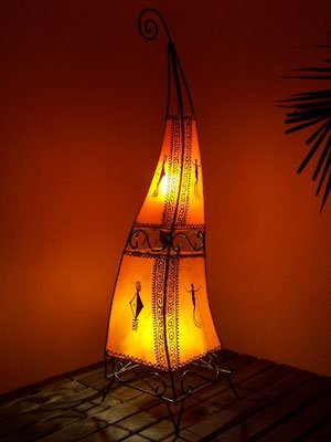 Orientalische Stehlampe Marrakesch orange 100cm Lederlampe Hennalampe Lampe | Marokkanische Große Stehlampen aus Metall, Lampenschirm aus Leder | Orientalische Dekoration aus Marokko, Farbe Orange