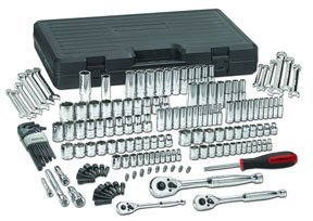 GearWrench (80932) 1/4, 3/8, and 1/2 Drive 165-Piece SAE/Metric Mechanics Tool Set by GearWrench