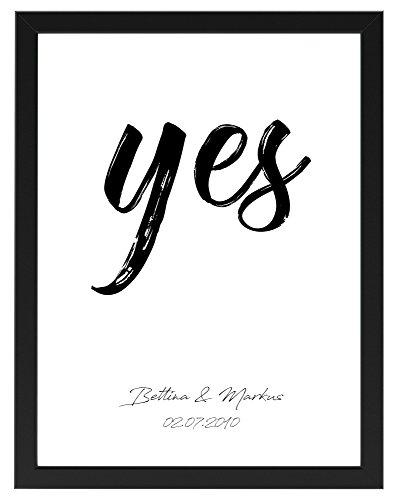"""Personalisiertes Poster zur Hochzeit 30 cm x 40 cm """"Yes"""", gerahmt mit schwarzem Bilderrahmen, Hochzeitsgeschenk für Brautpaar, Geschenkidee, Hochzeit, Gastgeschenk, Kunstdruck (Schwarz gerahmt 30 cm x 40 cm)"""