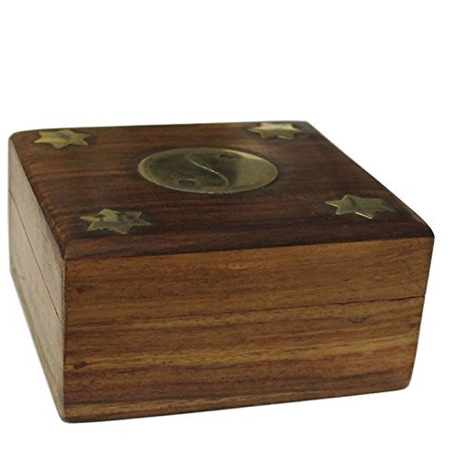 Square wooden box with yin and golden yang design