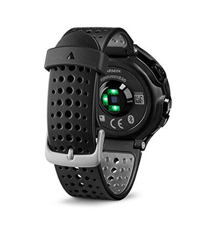 Garmin - Forerunner 235 - Montre de Running GPS avec Cardio au Poignet (Ecran : 1,23 pouces) - Noir