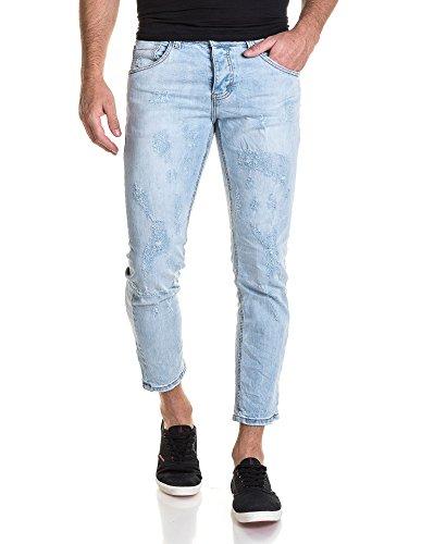 BLZ jeans - Hellblaue Jeans der kurzen Hosen Mann getragen Blau