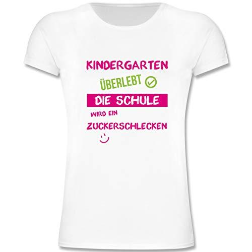 Einschulung und Schulanfang - Kindergarten überlebt rosa - 128 (7-8 Jahre) - Weiß - F131K - Mädchen Kinder T-Shirt -