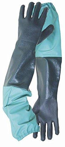 handschuhe-zur-abfluss-und-poolreinigung-draussen-gartenarbeit