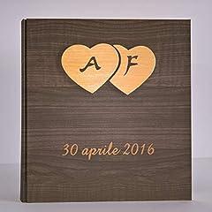 Idea Regalo - Album fotografico innamorati carta effetto legno scuro + cuori legno e iniziali e data personalizzabile