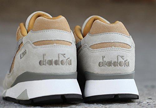 Diadora V7000 Premium Sand / Light Gray Sneaker Turnschuhe Running Beige