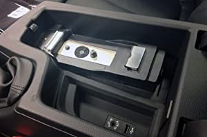 bmw adaptateur snap in pour iphone 5 high tech. Black Bedroom Furniture Sets. Home Design Ideas