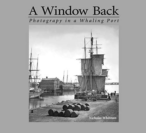 A Window Back: Photography in a Whaling Port (English Edition) Windows Media Port