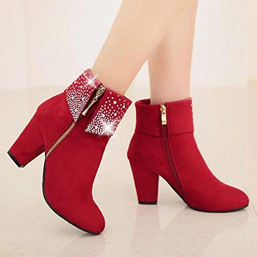 Diamant Et Poncé Avec Des Chaussures Courtes Femelles Automne Modèles Féminins Rouges