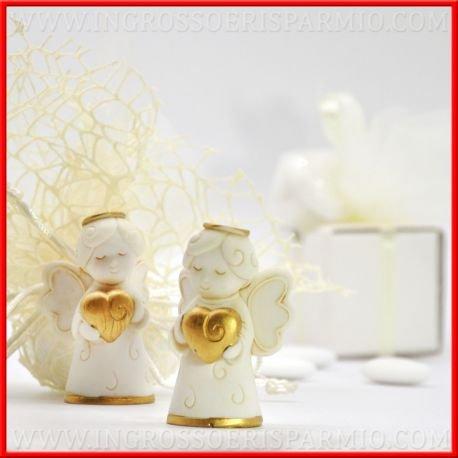 Statuina in resina bianca a forma di angioletto in piedi con aureola dorata che regge un piccolo cuoricino color oro per bomboniere fai da te - bomboniere battesimo,nascita,primo compleanno, confettate,cresima (kit 12 pz + confezione)
