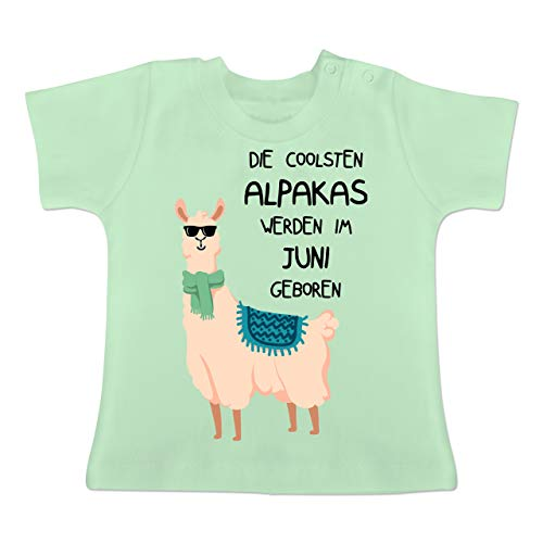 Geburtstag Baby - Die coolsten Alpakas Werden im Juni geboren Sonnenbrille - 3-6 Monate - Mintgrün - BZ02 - Baby T-Shirt Kurzarm