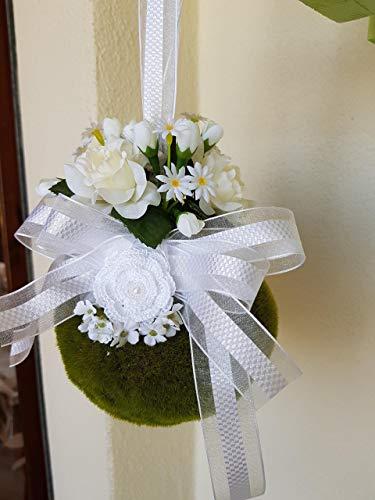 Bouquet da sposa/damigella boho chic, portafedi realizzato interamente a mano, composto da fiori artificiali, muschio sintetico, roselline lavorate all'uncinetto, arricchito da nastri, pizzi e perline.