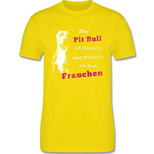 Hunde - Der Pit Bull ist harmlos aber Vorsicht vor dem Frauchen - Herren Premium T-Shirt Lemon Gelb