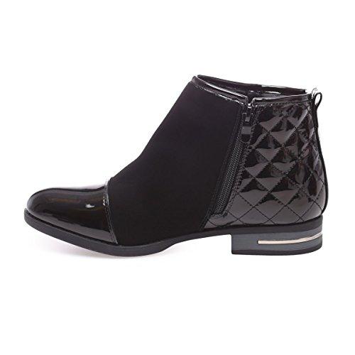 La Modeuse - Boots bi-matière en smili cuiravec empiècements vernis sur le bout etmatelassésur le talon Noir
