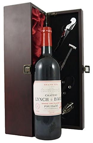 Chateau Lynch Bages 2000 Pauillac Grand Cru Classe Wein in einer mit Seide ausgestatetten Geschenkbox. Da zu vier Wein Zubehör, Korkenzieher ,Giesser ,Kapselabschneider ,Weinthermometer (Pauillac Grand-)