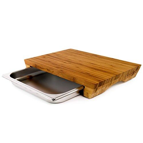 """cleenbo Schneidbrett \""""style bamboo\"""" Profi Küchenbrett aus geöltem Bambus mit verschiebbarer Gastronorm Edelstahl Auffangschale (GN) 1/2, Board Maße: 420 x 290 x 60 mm"""