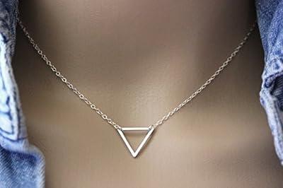 Collier minimaliste triangle en argent massif