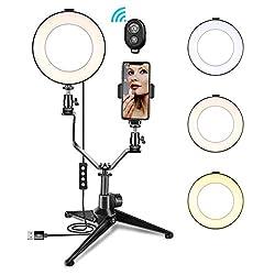Caratteristiche della luce dell'anello LED: * La luce ad anello offre anche una bella luce di cattura negli occhi del soggetto che fa apparire l'occhio come se brillasse. * 3 modalità di illuminazione a colori e 11 luminosità regolabile tra cui scegl...