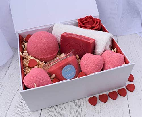 Valentine's Luxury Love Heart Gift Set. Bath Bombs, Soap, Candle. Handmade by Fizzy Fuzzy.