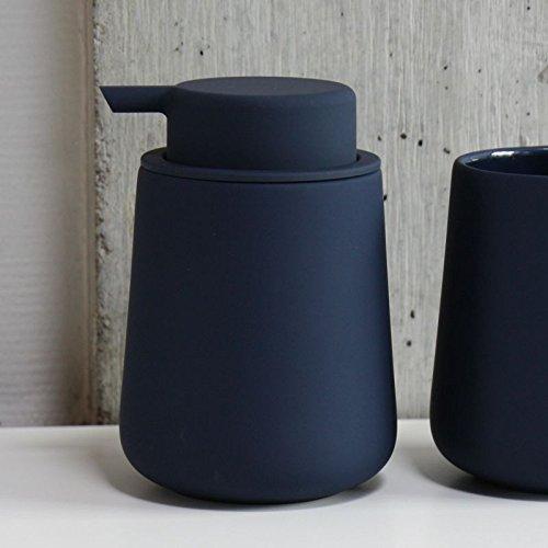 ZONE Denmark 362048 NOVA ONE Dispensador de Jabón con Soft-Touch de porcelana, Ø 8 cm A 11,5 cm, 0,25 l - Royal Blue Azul Oscuro Pastel