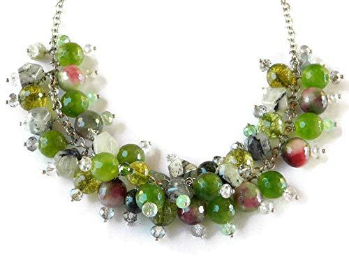 4b87b49a8df079 Collana girocollo con ciondoli di pietre dure verdi e cristalli Swarovski