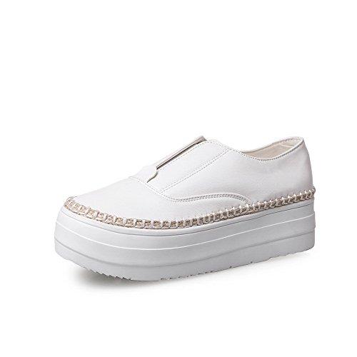 AgooLar Damen Ziehen Auf Rund Zehe Niedriger Absatz Pu Leder Gemischte Farbe Pumps Schuhe Weiß