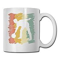 Un cadeau d'anniversaire ou gag parfait pour un amoureux de la plage. Cette tasse à café en céramique blanche de 11 onces est parfaite pour toute boisson chaude. La large bouche et la grande poignée en C permettent une utilisation quotidienne facile....
