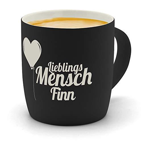 printplanet - Kaffeebecher mit Namen Finn graviert - SoftTouch Tasse mit Gravur Design Lieblingsmensch - Matt-gummierte Oberfläche - Farbe Schwarz