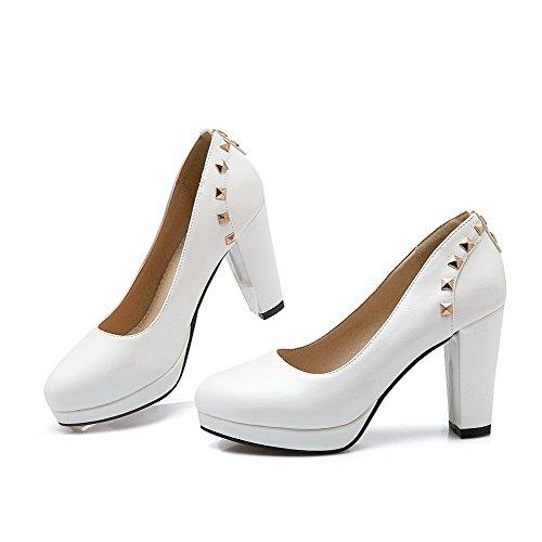 AllhqFashion Damen Weiches Material Ziehen Auf Rund Zehe Hoher Absatz Eingelegt Pumps Schuhe Weiß