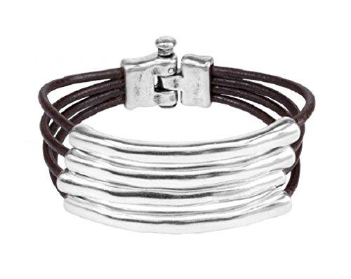 UNO de 50 Tu-bi-sagrado PUL1491 - Pulsera de varias vueltas que combina cordón de cuero con piezas tubulares de metal bañadas en plata.