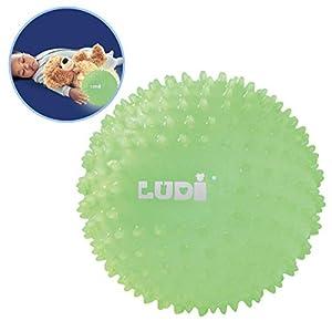 Ludi - Pelota sensorial que brilla en la oscuridad para el bebé. A partir de 6 meses. Pequeños puntos duros. Pelota de masaje o juego de fácil agarre. Pequeña luz nocturna. Diámetro: 15 cm. Ref. 30025