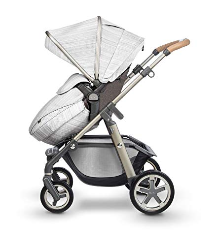 Silver Cross Pioneer Pushchair in Timeless Special Edition Silver Cross Suitable from birth to 25kg Comes with seat unit and carrycot Includes faux fur seat liner and changing bag 3