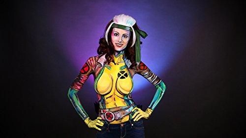 Wonder Woman - Body Artist Brings Comic Book Characters To Life