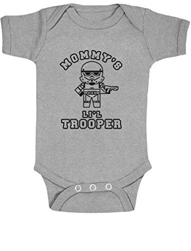 Green Turtle T-Shirts Mommy's Lil Trooper - Geschenk für Sci-fi Fans Baby Body Kurzarm-Body 81/86 (12-18M) Grau (Outfit Clone Trooper)