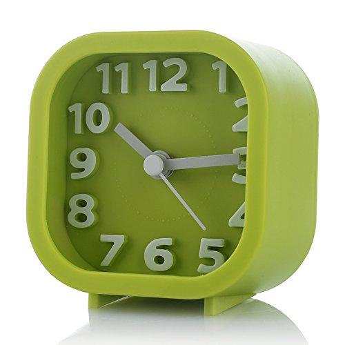 Ukey Reisewecker Candy Farbe kleine geräuschlos Schreibtisch Uhr mit Licht, batteriebetrieben (nicht im Lieferumfang enthalten) grün