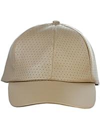 Casquette de baseball en cuir PU perforé à visière précourbée. Produit offert par NYFASHION101.